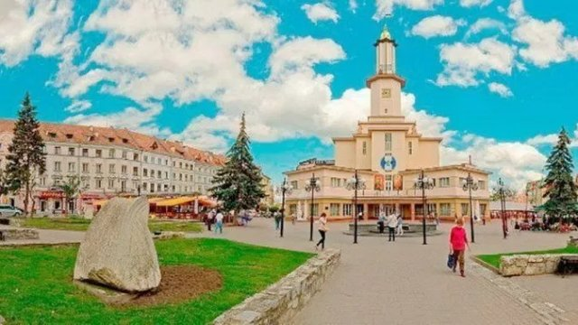 Сезон бесплатных экскурсий в Ивано-Франковске