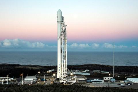 SpaceX успешно запустила последнюю модификацию ракеты Falcon 9
