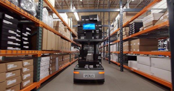 В Alibaba презентовали беспилотного робота для доставки посылок