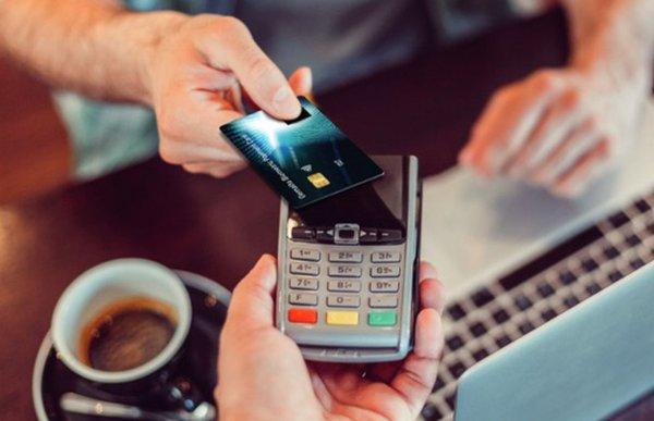 Отпечатки пальцев могут заменить пароль в банковских картах