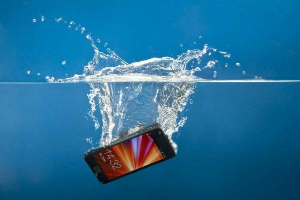 Xiaomi выпустила водонепроницаемый чехол для смартфонов с 6-дюймовыми дисплеями