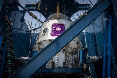 SpaceX анонсировала испытания космического корабля