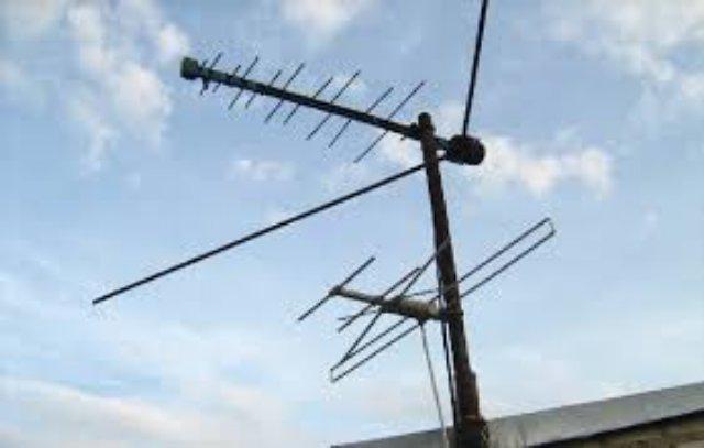Как установить антенну для цифрового телевидения на крыше