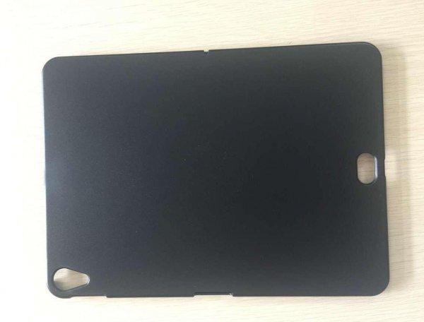 Загадочный вырез в чехле iPad Pro вогнал в ступор экспертов