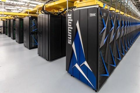 Опередили Китай: в США запустили супермощный компьютер