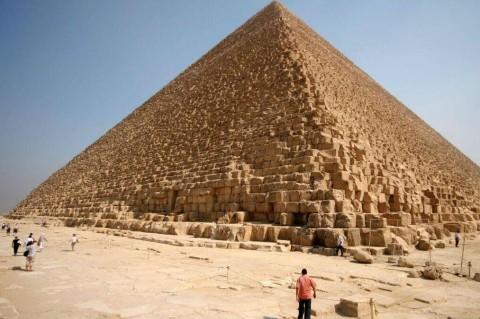 Исследователи обнаружили уникальные свойства электромагнитного поля в пирамиде Хеопса