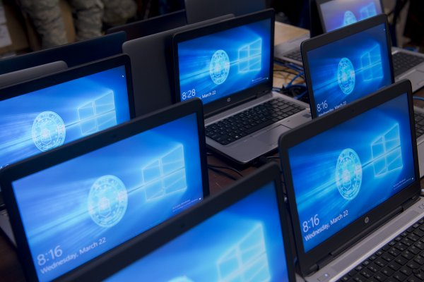 Microsoft приостановила обновление Windows 10 из-за жалоб пользователей