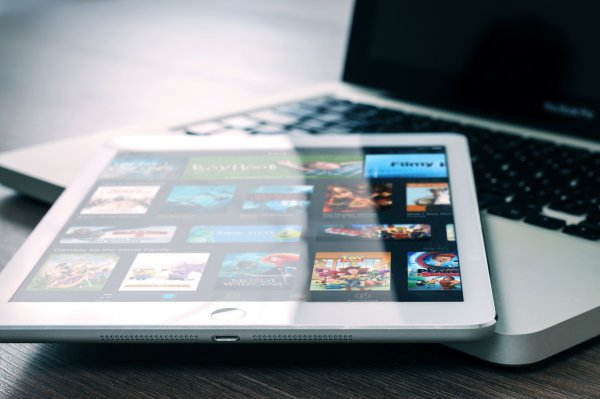 Apple заявила, что iOS 12 по скорости распространения обогнала iOS 11