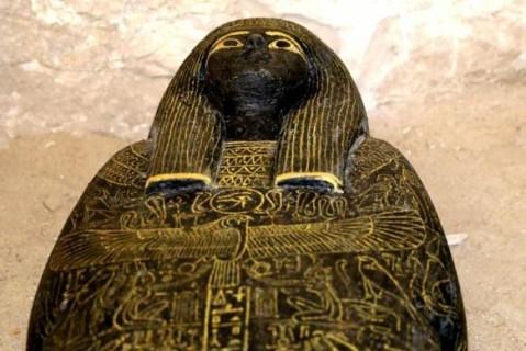 В Египте обнаружили мумии возрастом 3,5 тысячи лет