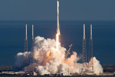 Запуск Falcon 9 отменили четвертый раз подряд