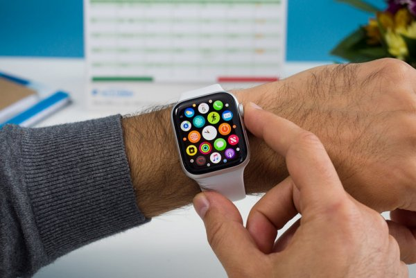 Видеозвонки будут доступны в следующих моделях Apple Watch – эксперты