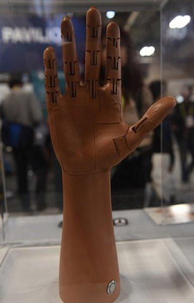 На CES 2019 презентовали новый бионический протез руки