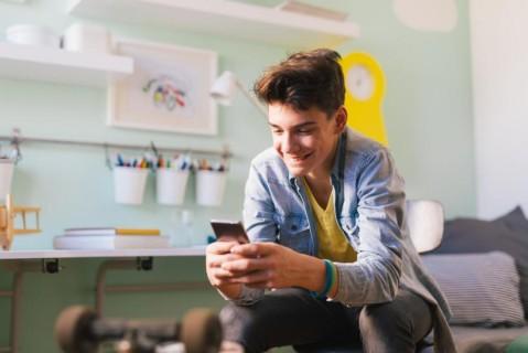 Facebook разрабатывает нововведение для привлечения молодежи
