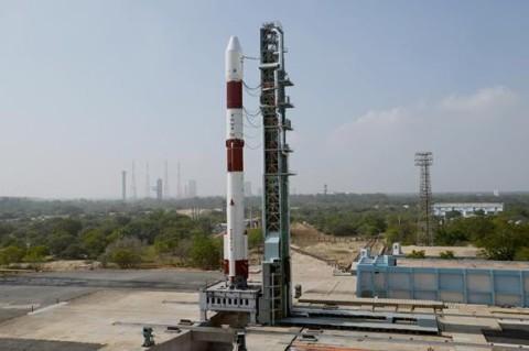 В Индии запустили в космос рекордно легкий спутник