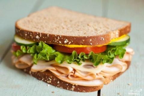 Супрун запретила украинцам есть бутерброды с колбасой