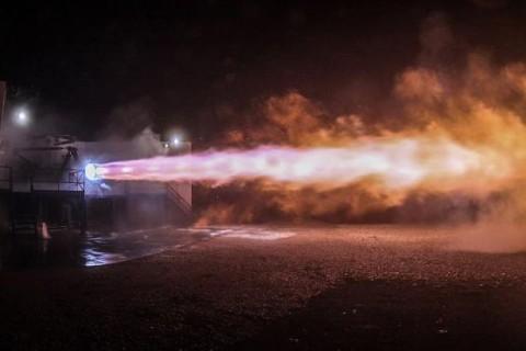 Илон Маск показал испытания двигателя для межпланетного корабля