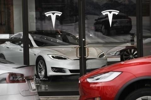 Tesla продемонстрировала тест-драйв автопилота пятого поколения