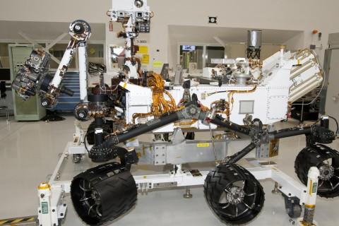 NASA запустило онлайн-трансляцию процесса сборки марсохода