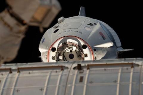 После взрыва двигателя SpaceX NASA перенесло полет на МКС