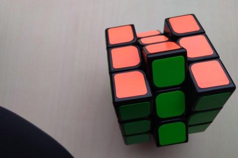 Нейросеть смогла собрать кубик Рубика за 20 ходов