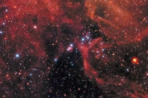 Телескоп Hubble снял умирающую в