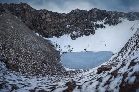 Эксперты изучили Озеро скелетов в Гималаях, но загадок только прибавилось