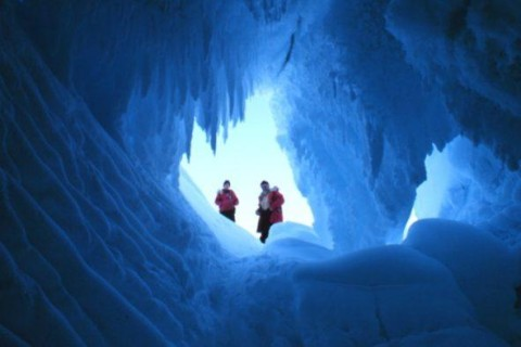 В Сети показали пещеру в Антарктиде, которую обнаружили украинцы