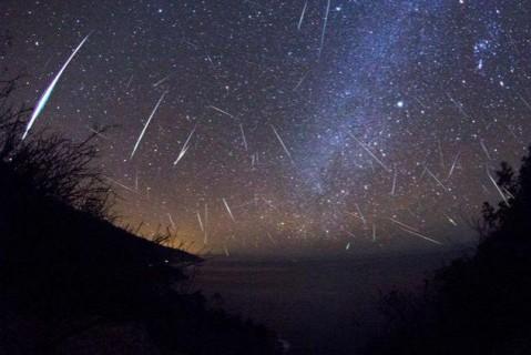 Звездопад Дракониды 2019: где и когда можно наблюдать самый красивый метеорный поток осени