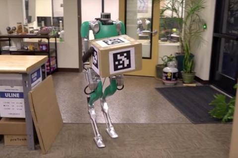 В США научили робота носить коробки