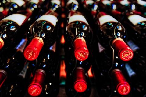 На МКС отправят 12 бутылок французского вина