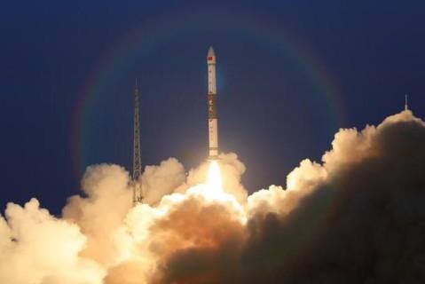 Китай запустил два глобальных спутника