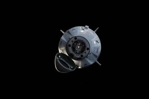 Crew Dragon остался целым после взрыве Falcon 9
