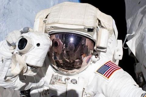 NASA продемонстрировало работу астронавтов в космосе