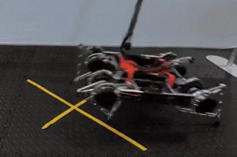 Впервые робота научили ходить без вмешательств человека