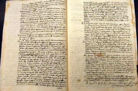 Во Франции нашли редкую книгу Ньютона о законах Вселенной