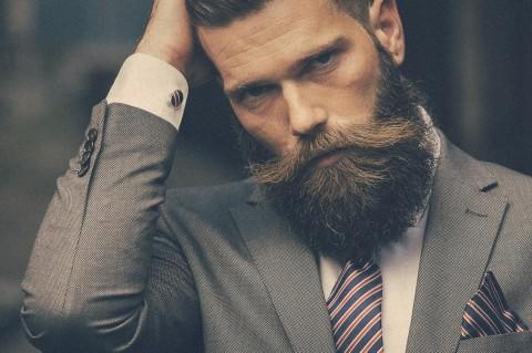 Ученые: Борода мужчин повышает риск заражения коронавирусом в тысячу раз