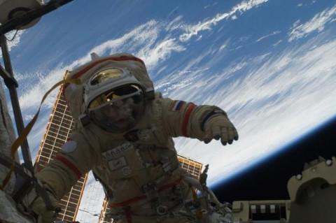 Ученые выяснили, почему у людей в космосе закладывает уши