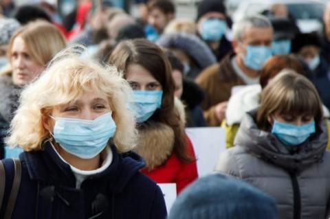 Ученые рассказали, когда больные коронавирусом заразны более всего