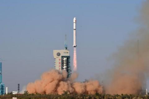 Китай осуществил запуск ракеты Чанчжэн-2D