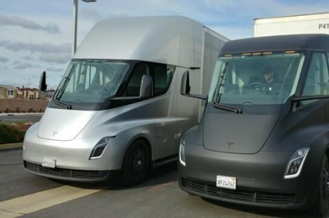 Илон Маск заявил о начале серийного выпуска электротягачей Tesla