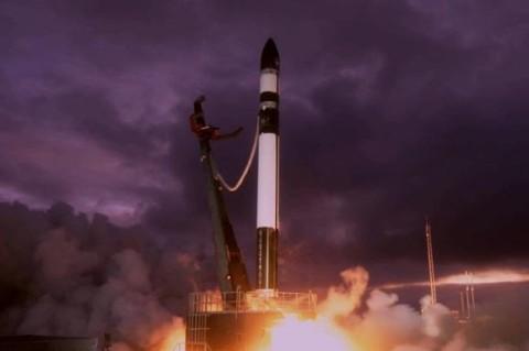 В Новой Зеландии запустили ракету с группой спутников