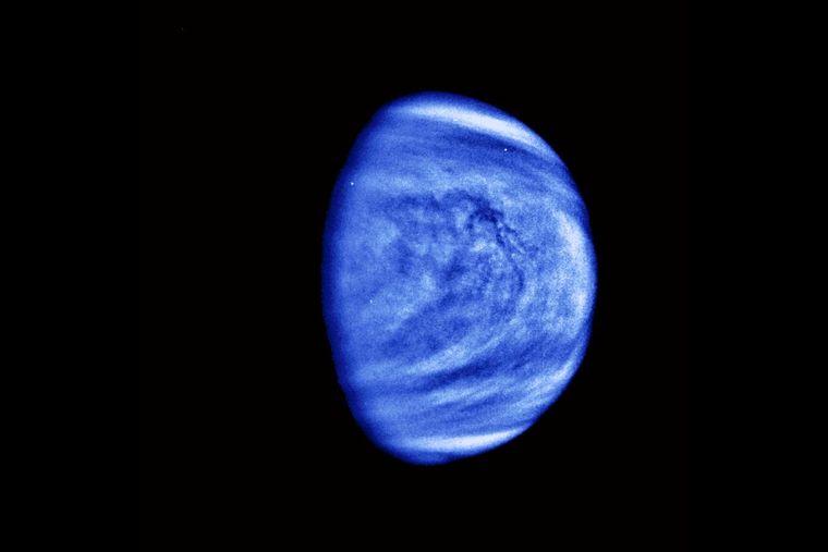 Ученые обнаружили на Венеры вероятные признаки жизни