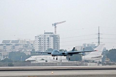 Впервые в мире: израильский беспилотник приземлился в гражданском аэропорту