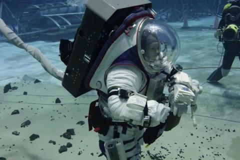 Астронавты NASA продемонстрировали, как готовятся к миссиям под водой