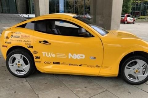 В Нидерландах студенты сделали электромобиль из пластика