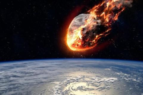 Ученые: К Земле приближается опасный астероид
