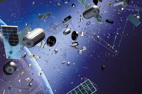 Европейские страны разрабатывают аппарат, убирающий космический мусор