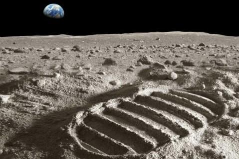 Ученые научились делать кислород из лунной пыли