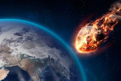 Ученые: Мимо Земли пролетит опасный астероид