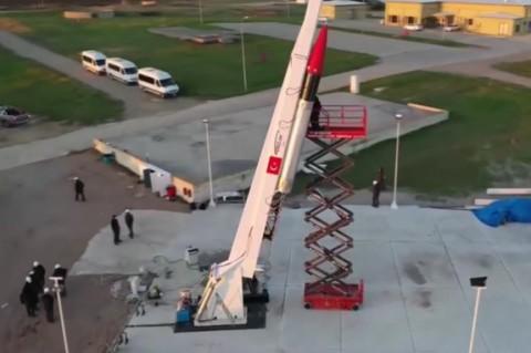 В Турции специалисты разработали ракету для полета на Луну
